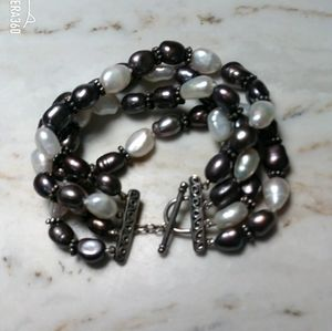 Honora Cultured freshwater pearl and SS bracelet.